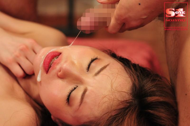 犯されたCA 被虐の美人キャビンアテンダント 吉沢明歩 の画像7