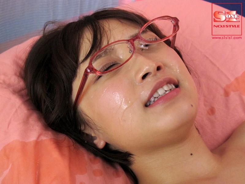 生まれて初めてのドキドキ大量顔射 きみの歩美 の画像10