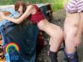 野外にて、スレンダーの人妻、青木玲出演の拘束無料熟女動画像。やっぱり露出が好き!