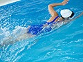 狙われた豊満アスリートの筋肉体 柳みゆう 水泳部エースは部員たちの性処理係のサムネイル