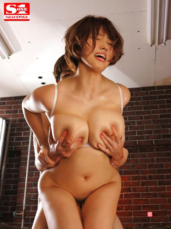 揉み揺れ舐め吸い乳性感開発 常にネチネチ爆乳いじくり性交 松本菜奈実 の画像5