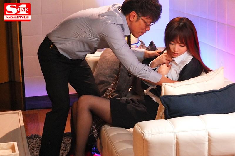 出張先のホテルで相部屋になった上司に何度も何度もレ●プされ続けた7日間。 吉沢明歩 画像10枚