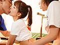 俺たち部員全員むさ苦しいのに嫌な顔しないで汗だくになった女子マネージャーと2泊3日の夏合宿 三上悠亜 画像3