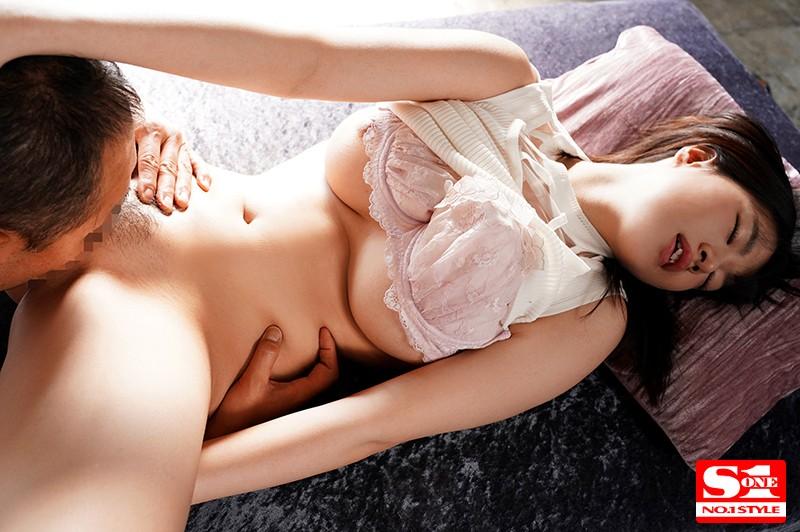 「交わる体液、濃密セックス 完全ノーカットスペシャル 朱莉きょうこ」のサンプル画像です