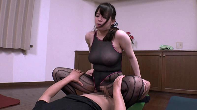 爆乳Jカップの奈津子さんは、セクハラされまくりのスケスケエクササイズ 三島奈津子 の画像19