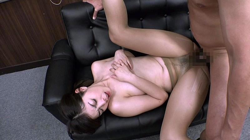 受刑者や職場の上司に迫られる咲流さんは、セクハラされまくりの女刑事 卯水咲流 の画像5