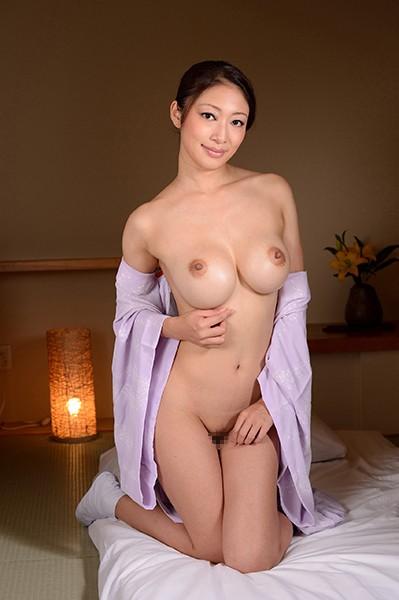 浴衣のお姉さん、小早川怜子出演の淫語無料熟女動画像。トロトロのマ○コに早く挿れてちょうだい!