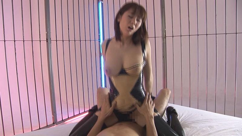 麻美ゆまの無料動画 麻美ゆまがラバーに包まれ感じまくる瞬間を見逃すな!