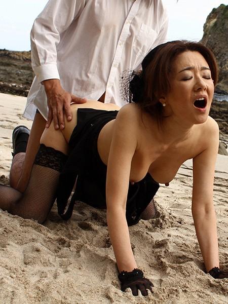 画像「真梨邑ケイがバックでイキまくるSEXを見逃すな!」