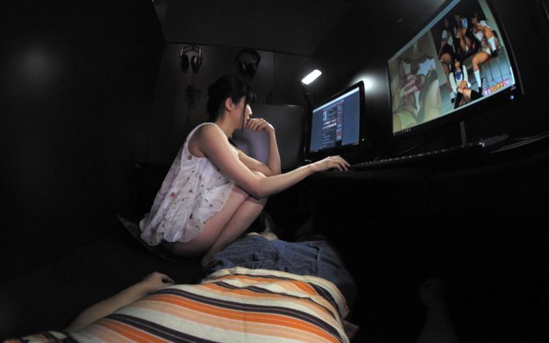 【VR】ネカフェでこっそりSEX