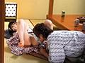 (tsp00391)[TSP-391] 会社研修旅行の旅館で… 同僚女子社員の部屋におじゃまして飲んでいると先輩がガチ口説きで1人を連れて襖の向こうに!そしてエッチな感じに?!残されたボクらも二人きりに!4 ダウンロード 8