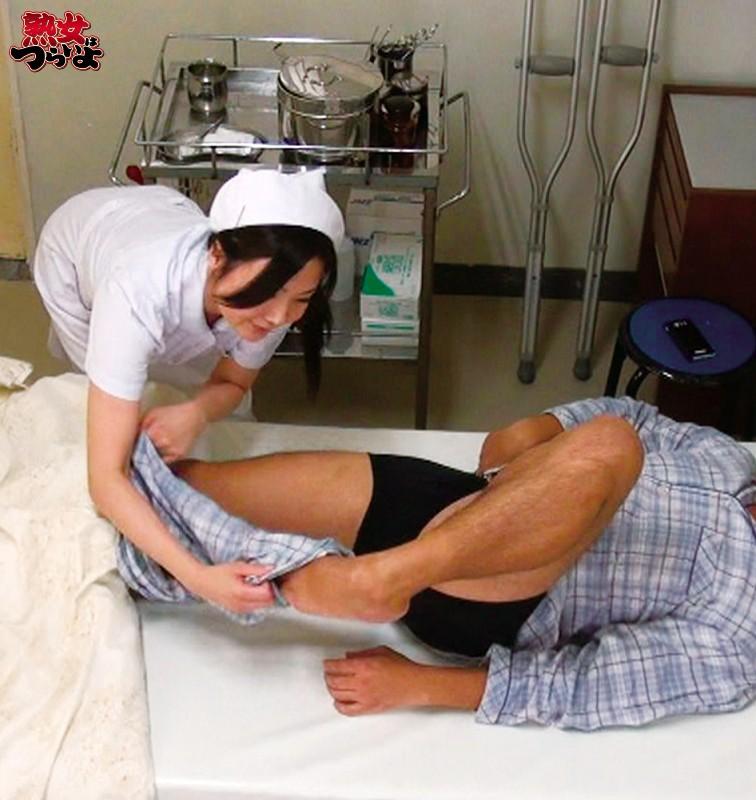 緊急手術が迫る!強制吐精させペニスを沈静化! 緊急マニュアル排精術!? 熟練美人ナースの緊急吐精処置5 「緊急連絡!救急患者の吐精処置願います!排精後は手術室まで速やかに搬送願います!」 の画像8