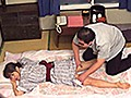 [TURA-348] 温泉旅館 夫婦旅行 冴えない風貌男の正体は回春指圧師 夫がいない間に妻を寝取っていた指圧師 得体の知れない媚薬を塗りこみ 夫婦旅行の妻たちを寝取っていた