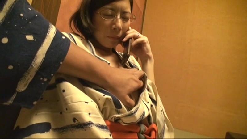 密着二十四時間 寝取られ人妻・背徳温泉旅【一】 の画像11