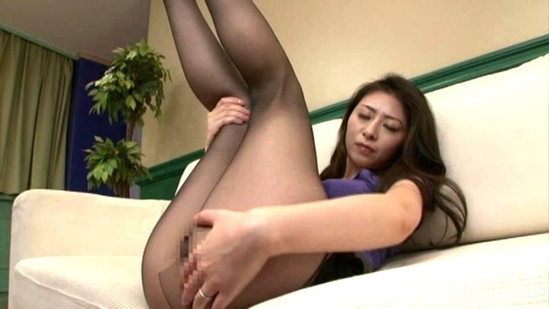 パンスト美脚妻の淫靡な匂い 長谷川美紅 の画像1