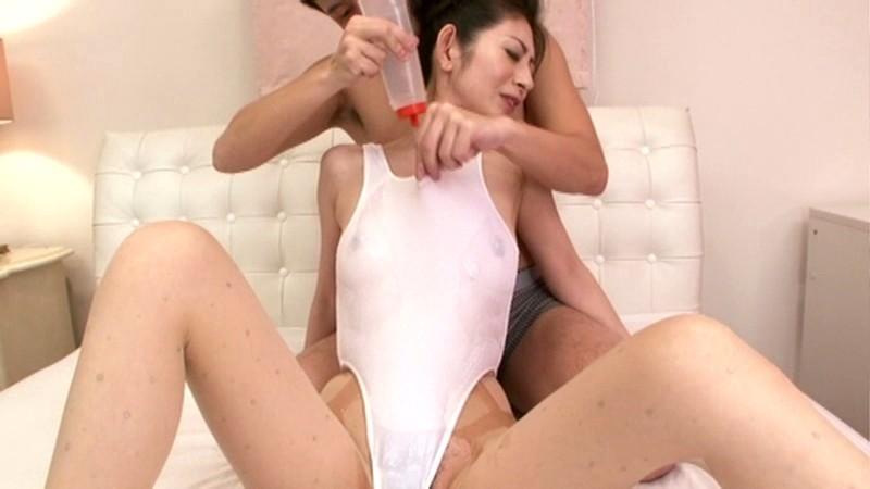 パンスト美脚妻の淫靡な匂い 長谷川美紅 の画像16