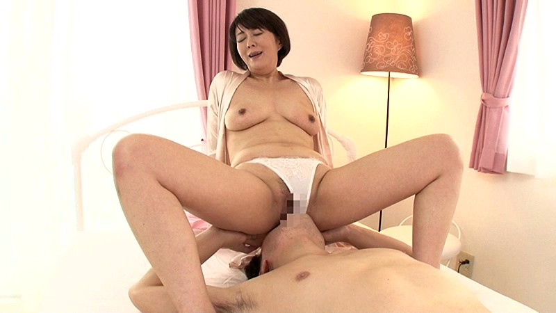 部長の奥さんがエロすぎて… 円城ひとみ の画像10