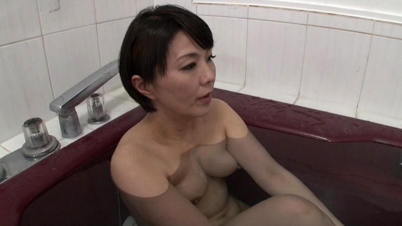 部長の奥さんがエロすぎて… 円城ひとみ の画像17