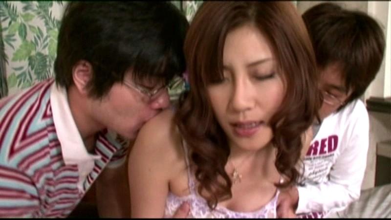 近親相姦 今時の継母は息子に何度も噴かされる 凛音涼子 の画像7
