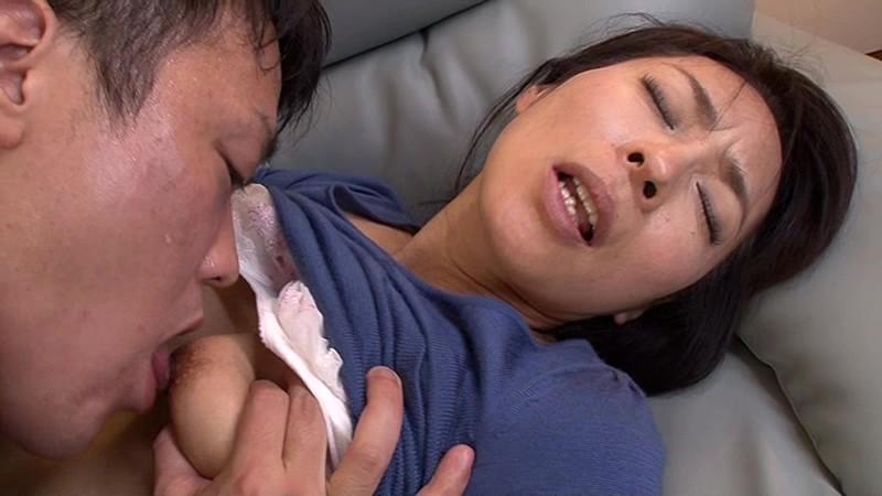 母は息子と一緒にイキたがる! 矢部寿恵 の画像6