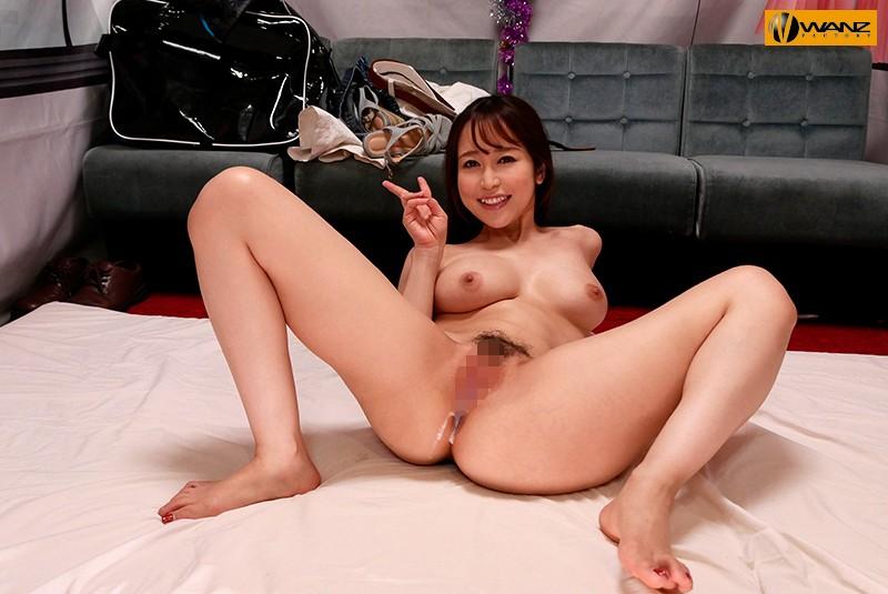 篠田ゆうの凄テクを我慢できれば生★中出しSEX! の画像1
