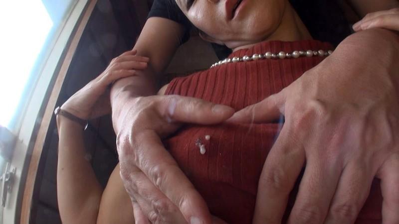 デカ乳首母乳ママ 奥村美奈子