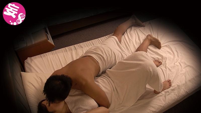 ラブホテル天井裏盗撮 濃厚に絡み求め合うカップル達 の画像8