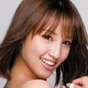 青山ローラの顔写真