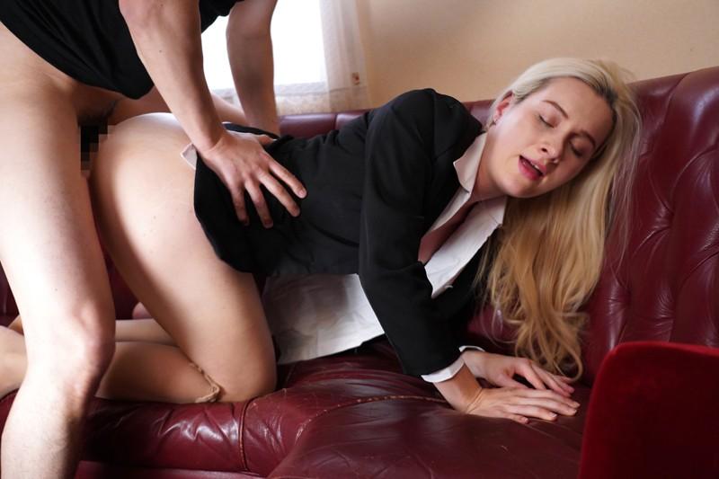 ロシアから来た女捜査官電流拷問 サーシャ 2枚目