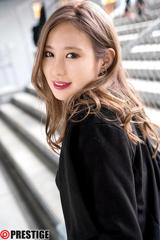 ストリート・クイーン AV debut!! かれん(21)女子大生 街の視線を集める路上の女王がAV参戦!1