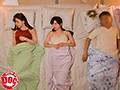 妻の連れ子の巨乳美人姉妹と川の字で寝ることに手を出してはいけないと知りながら、無防備な生巨乳に欲情してしまい…