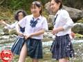 田舎の純真な女子校生が服を脱ぐのも忘れてズブ濡れになっているおふざけ姿が予想以上に色々エロく見えてきたので… 41