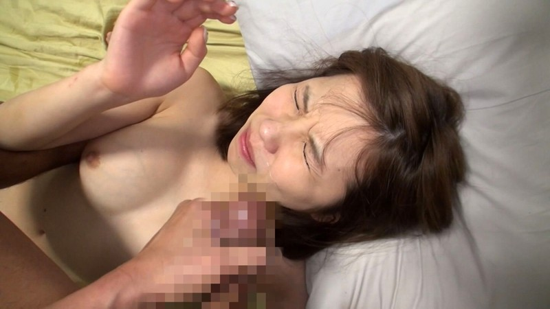 可愛い顔を精液で汚したい…素人美少女20人にどっぷり顔射でザーメンパック4時間SP!! 20枚目