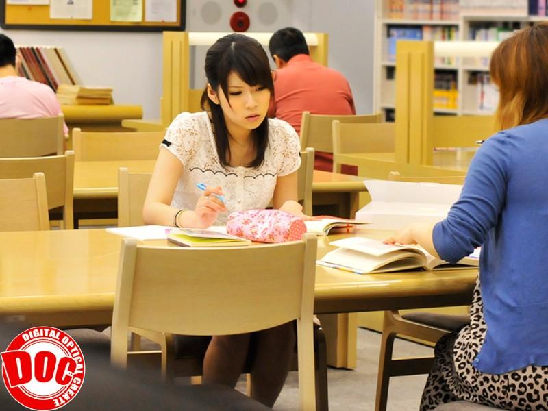 静寂な図書館で感じすぎて声を押し殺すウブ娘[118tls00004][TLS-004] 4