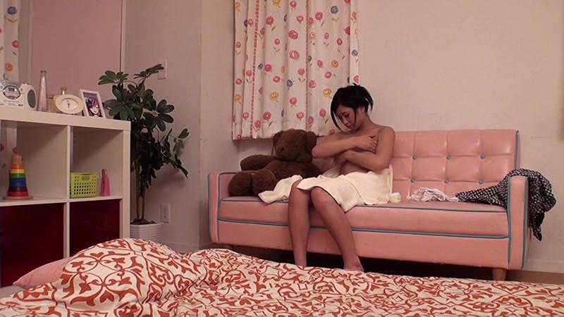 姉のボディークリームに媚薬を仕込み発情させ夜●いする弟の投稿映像[12scr00089][SCR-089] 1