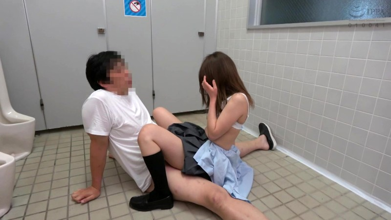 トイレ押し込みレ●プ犯罪投稿映像9