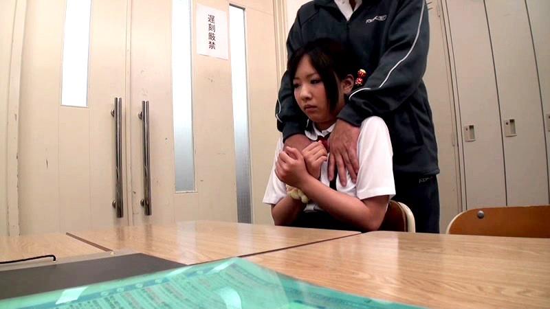 ママが傍に居るのにもかかわらず…放課後の教室で先生に痴●されてオマンコを濡らしているロリ娘はそのままチ●コを入れられても拒めない[12val00004][VAL-004] 15