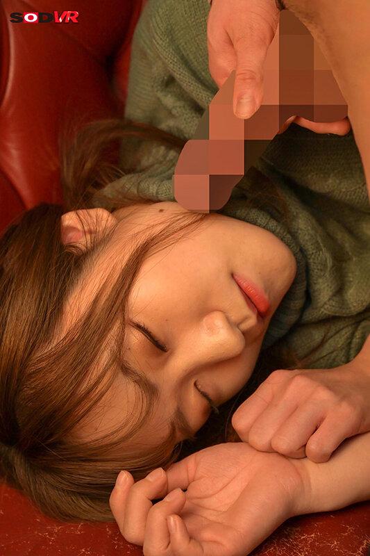 【VR】寝てる女子に顔射 カラオケ、ファミレス、車中泊…そこら辺で寝てる女子に顔射して猛ダッシュで逃げた結果www【全編ワイの本物ザーメンお顔発射www】 画像10