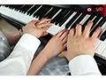 【VR】3年2組 なえちゃん 145cm ピアノレッスン中にわいせつsample3