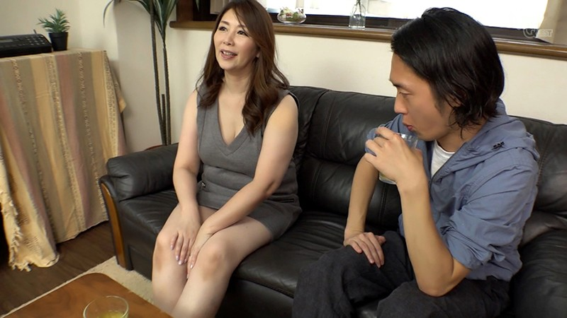 姑の卑猥過ぎる巨乳を狙う娘婿 翔田千里