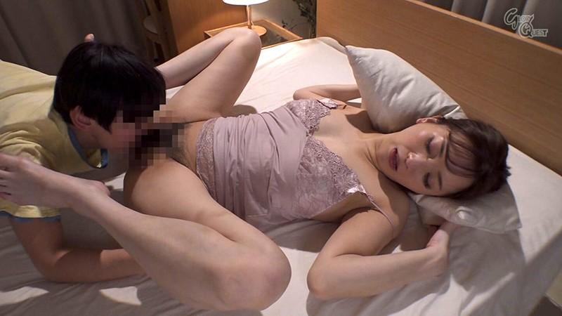 ドスケベBODYの勝気な女社長とHなご子息 鈴木真夕 キャプチャー画像 8枚目