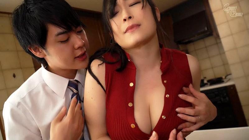 姑の卑猥過ぎる巨乳を狙う娘婿 成澤ひなみ キャプチャー画像 4枚目