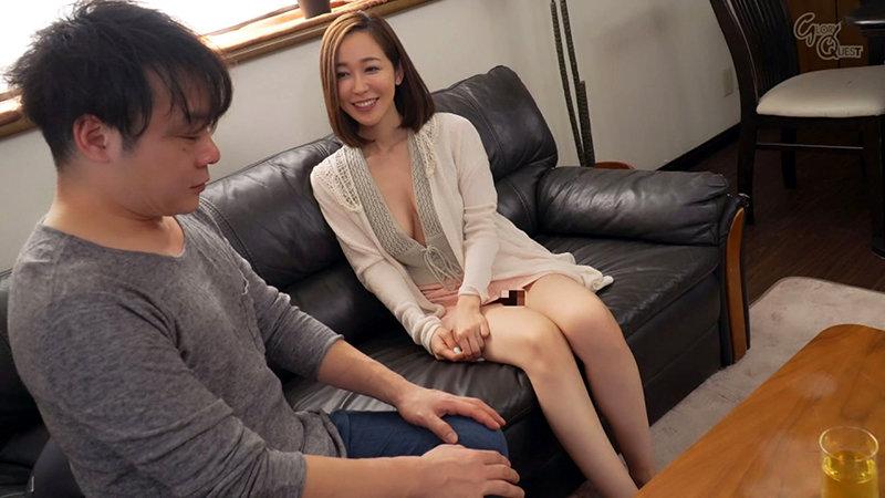 ノーブラノーパンで挑発してくるスケベ奥さんが隣に引っ越してきた! 篠田ゆう キャプチャー画像 7枚目