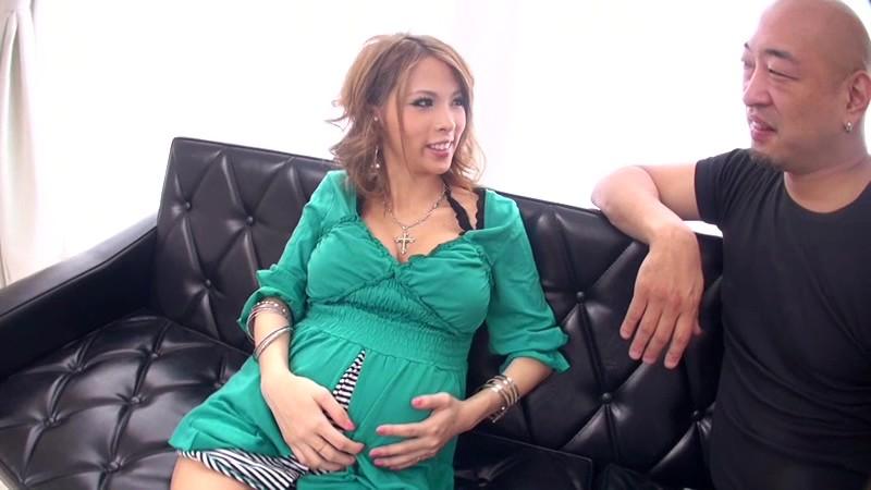 臨月妊婦×アナルFUCK×ぶっかけ 希咲エマ 画像1