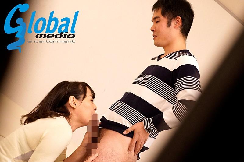 息子の調教にイキ悶えるマゾ母 欲求不満母を拘束玩具責め・未亡人母を媚薬漬け・従順肉便器母と3Pセックス 画像9
