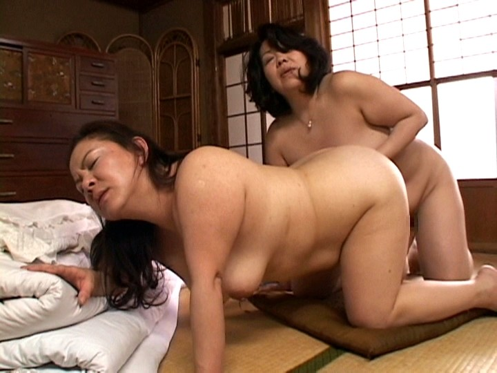 mature milf fucking the japanese women with daughter - 720×540