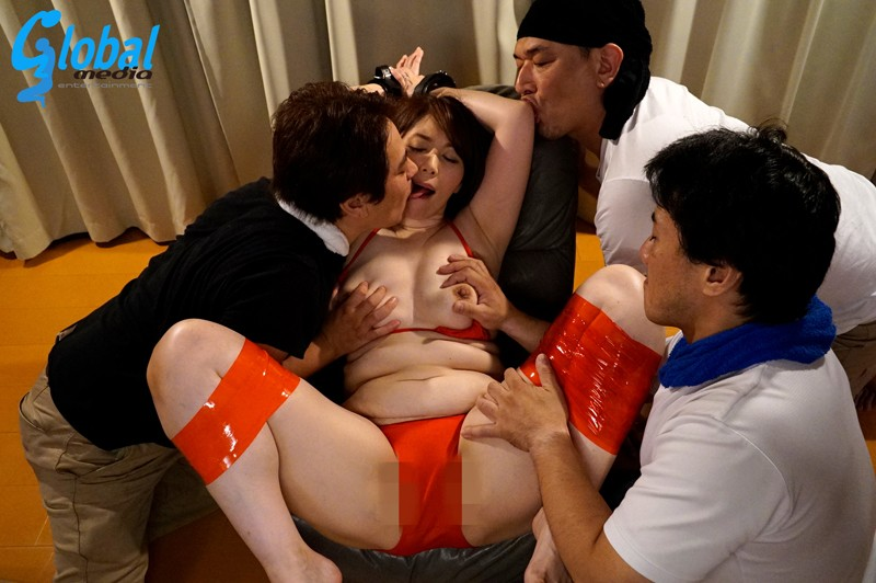 SGM-006 Studio Global Media Entertainment - A Married Woman Charter Boat Fifty-Something Mature Woman Babes In Swimsuits A Massive Squirting Documentary Chisato Shoda big image 6