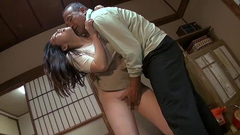 Desi slut got naked on demand in front of father