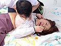 [TMRD-1062] 熟妻 息子のサッカーのコーチに襲われた清純妻 六十路完熟女は44年ぶりに再会した同級生に2穴されて…