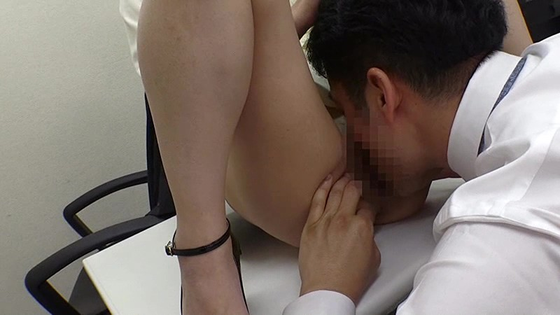 XRW-715 Studio Real Works - Slutty Office Lady ~An Office Lady Who's Having An Affair With Her Boss Will Fuck Her Colleagues Too~